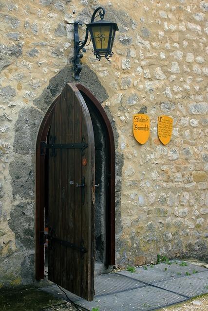 Castle door old.