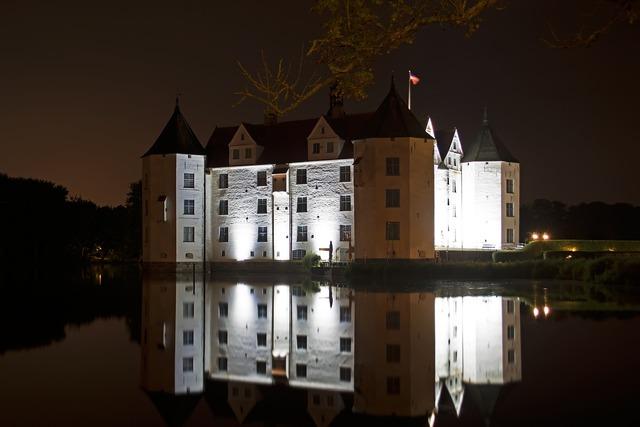 Castle glücksburg moated castle.