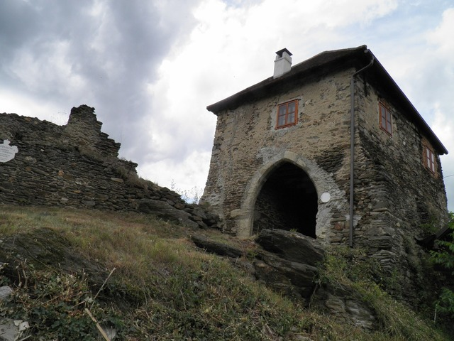 Castle hardegg gate.