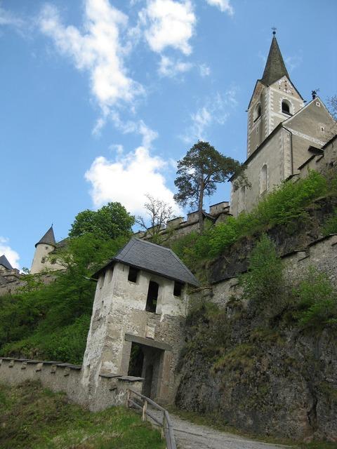 Castle hochosterwitz austria, religion.