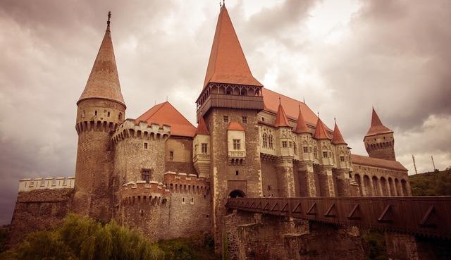 Castle hunedoara medieval, places monuments.
