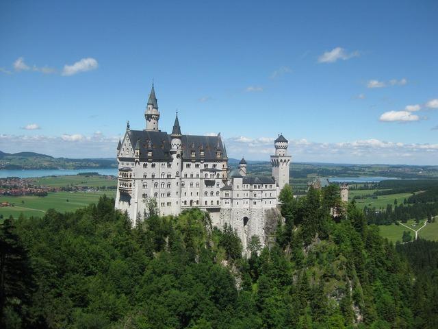Castle kristin neuschwanstein castle.