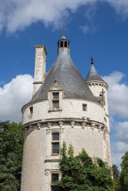Castle loire valley château de chenonceau.