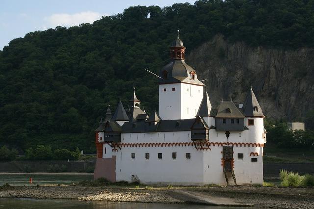 Castle pfalzgrafenstein rhine kaub, architecture buildings.