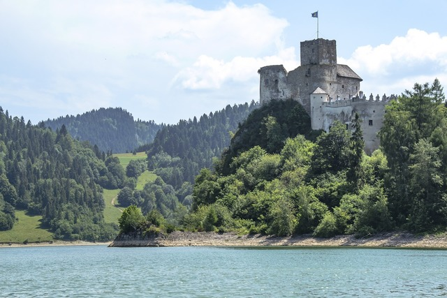 Castle ruins pieniny top poland, travel vacation.