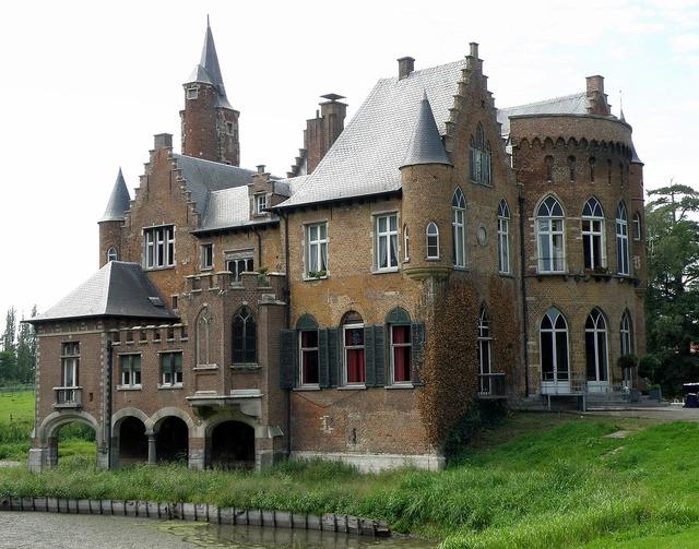 Castle wissekerke east flanders, places monuments.