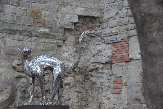 Cat sculpture barcelona, animals.