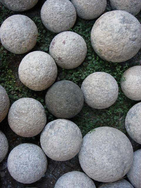 Catapults stones round.