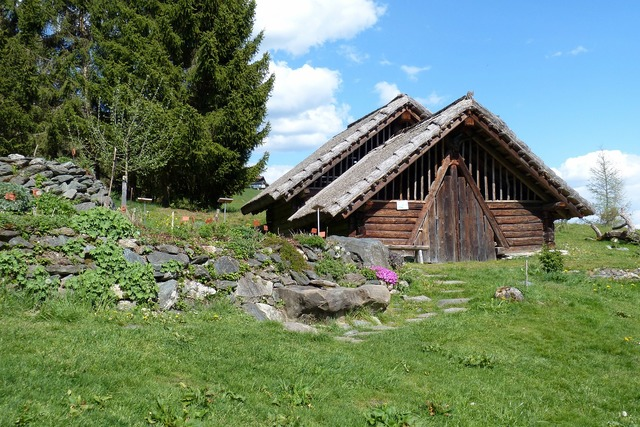 Celts village block house vacation, travel vacation.
