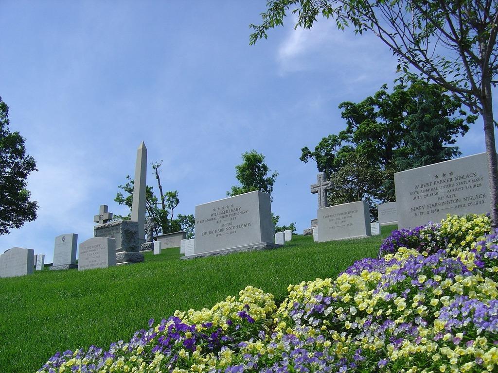 Cemetery grave arlington.