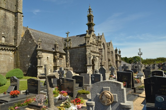 Cemetery grave tombstone, religion.