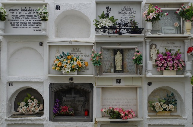 Cemetery spain sepulchre.