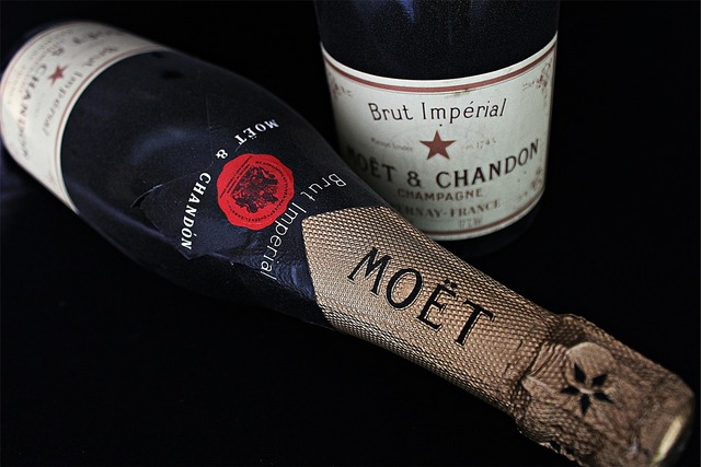 Champagne hatching france.