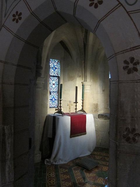 Chapel tower of london worship.