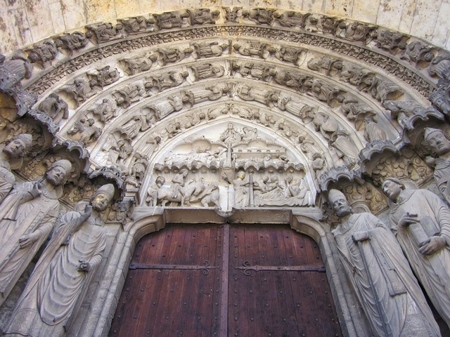 Chartres cathedral confessors portal south transept, architecture buildings.