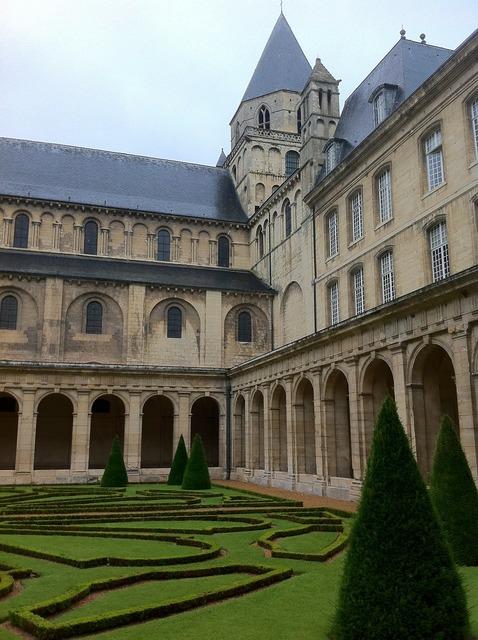 Chateau castle fortresses, architecture buildings.