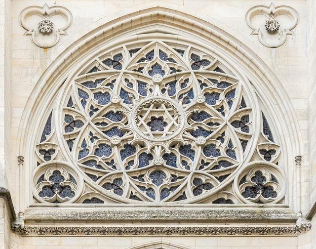 Château de pierrefonds chapel rose window, architecture buildings.