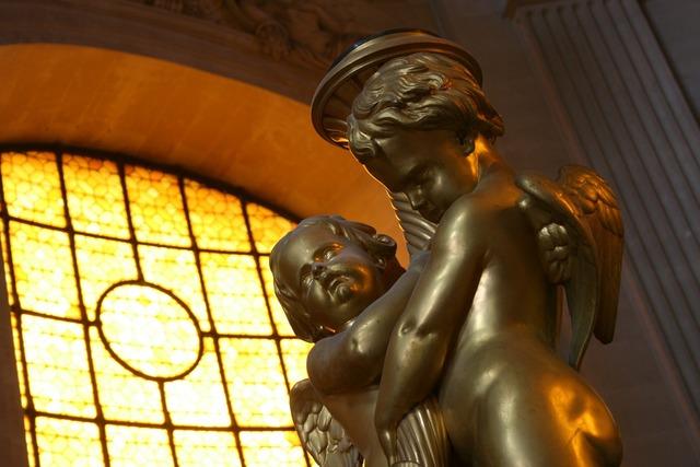 Cherubs statue church, religion.