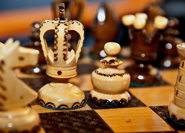 Chess wooden chess chess rzeżbione.