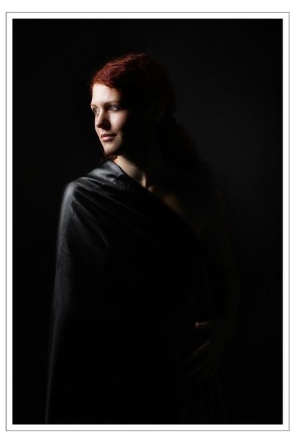 Chiaroscuro portrait lady, people.