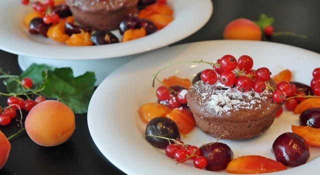 Chocolate cake cake chick, food drink.
