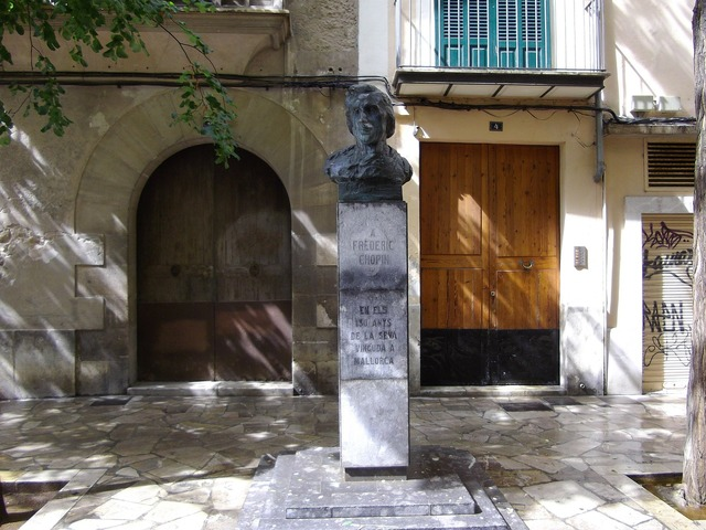 Chopin majorca bust, architecture buildings.