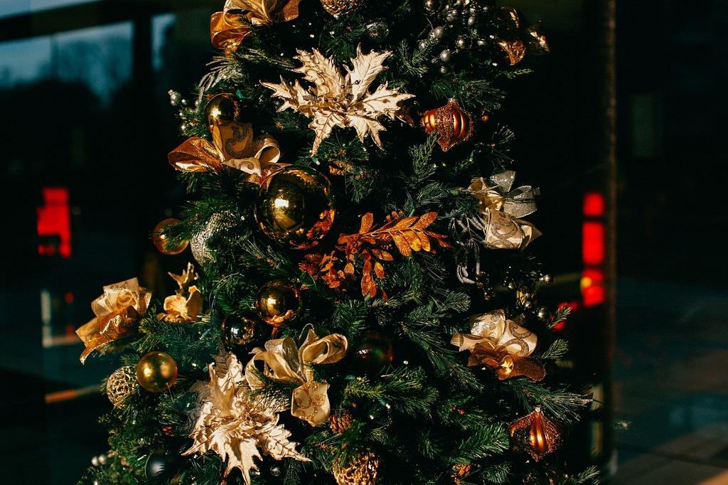 Christmas decorations christmas tree christmas baubles, religion.