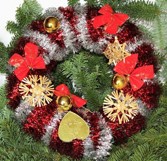 Christmas wreath poinsettia christmas, backgrounds textures.