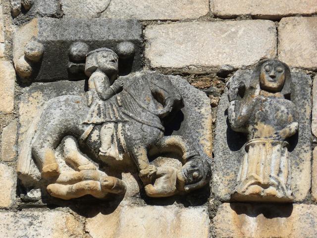 Church relief tredós, religion.