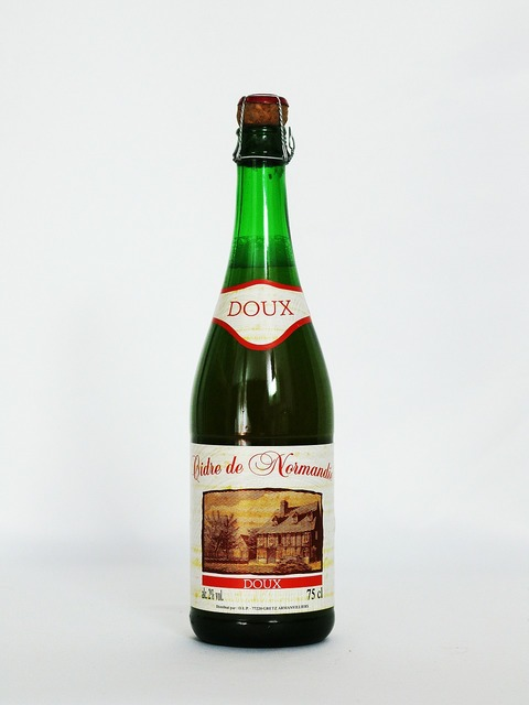 Cider normandy alcohol, food drink.