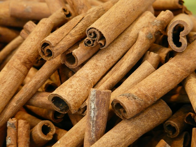 Cinnamon cinnamon sticks dried.