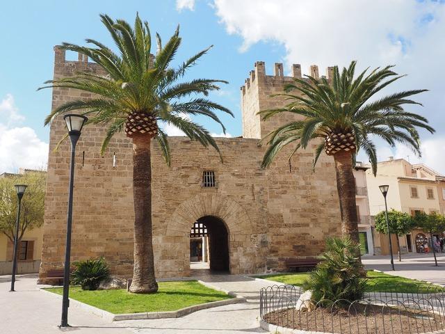 City gate porta del moll porta de xara.
