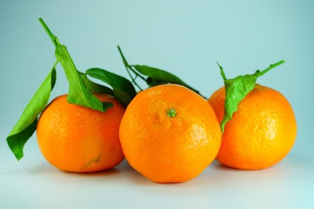Clementines oranges tangerines, food drink.