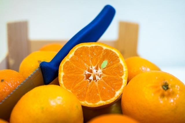 Clementines tangerines fruit, food drink.