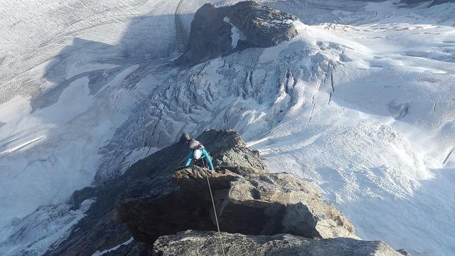 Climb alpine climbing climber.