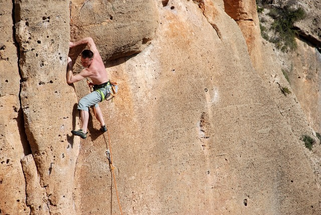 Climbing rope rocks.