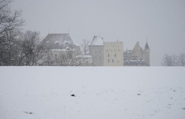 Closed lenzburg winter snow flurry.