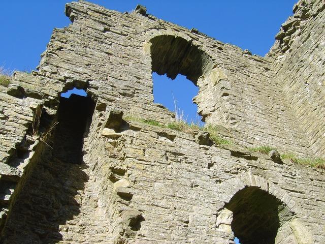 Clun castle castle ruins.