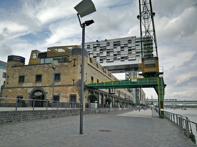 Cologne crane kranhaus.