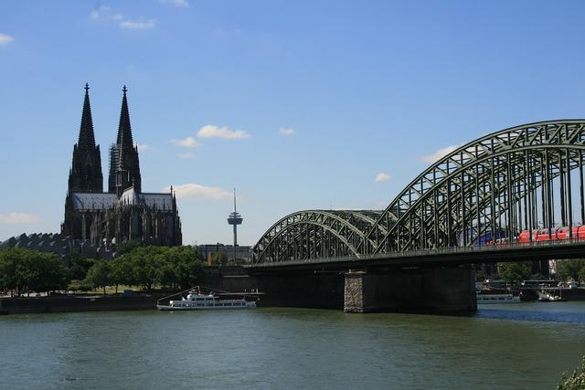 Cologne rhine river.