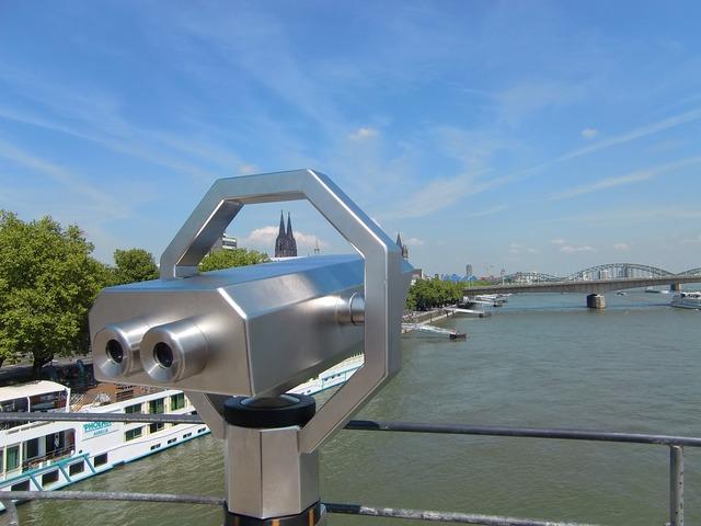 Cologne telescope binoculars.