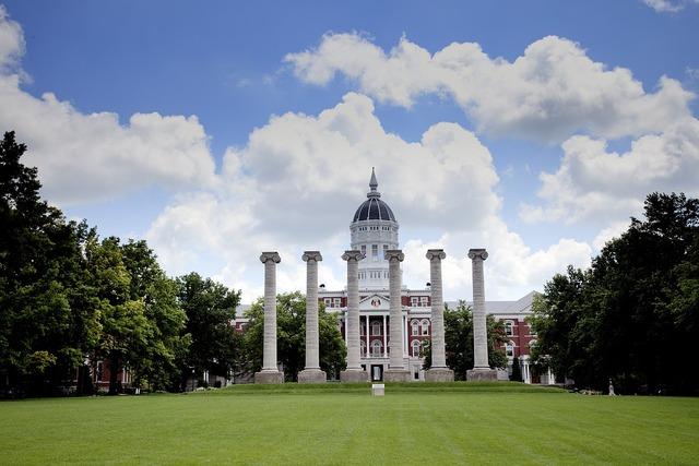 Columns university missouri, architecture buildings.