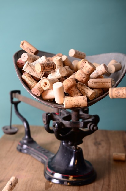 Corks stoppers scale.