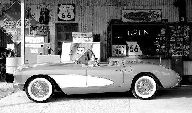 Corvette oltimer sports car, transportation traffic.