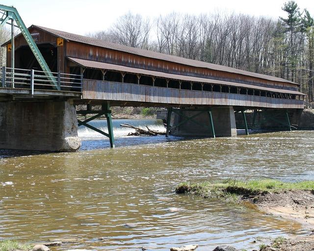 Covered bridge ohio river, places monuments.