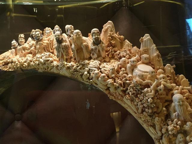 Crafts ivory carving havoc.