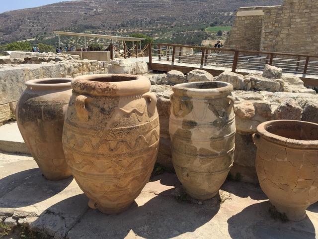 Crete temple antiquity, religion.