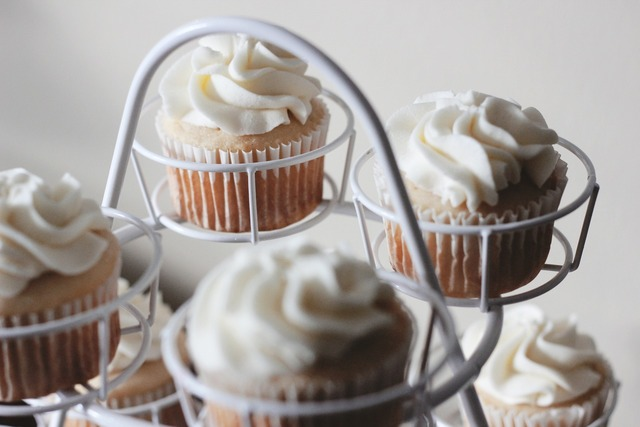 Cupcakes cakes frosting.