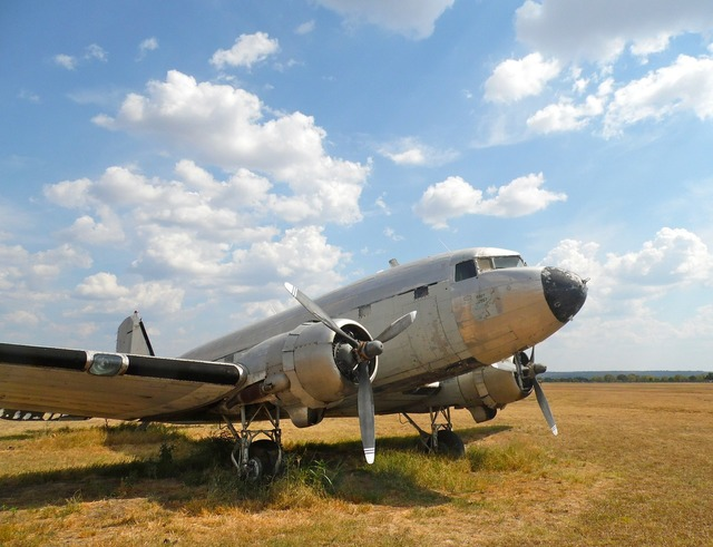 Dc-3 aircraft old.