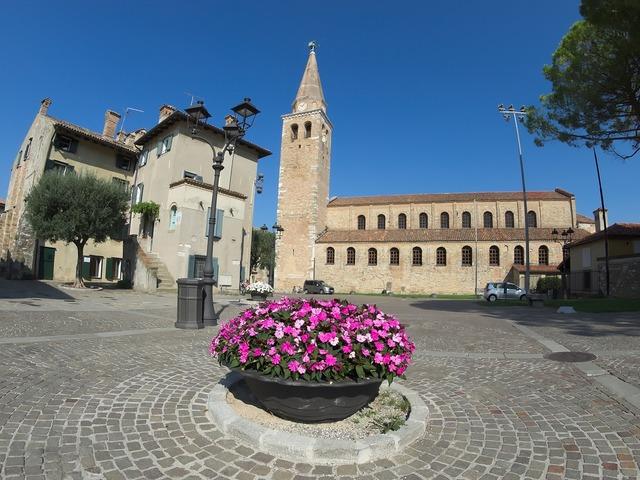 Degree basilica piazza.